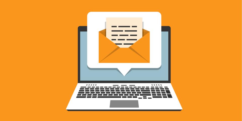Illustratie van een computer en e-mail.