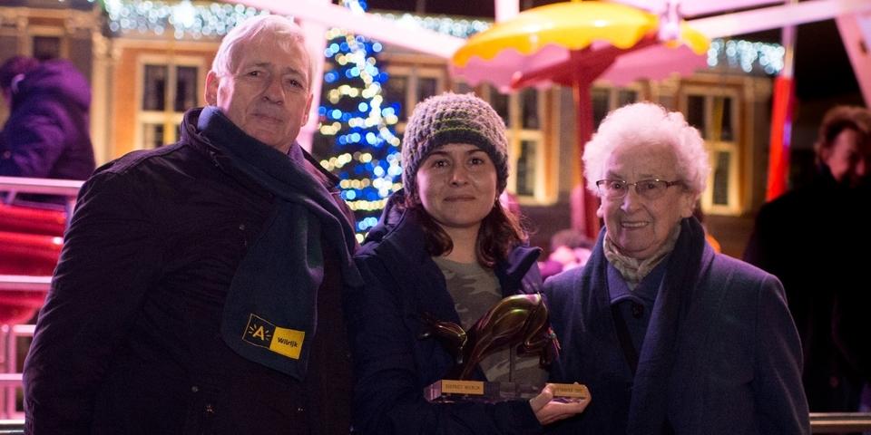 Geitetrofee-winnares Sarina Ahmad samen met de andere genomineerden Hubert De Ranter en Lydia Baeck.