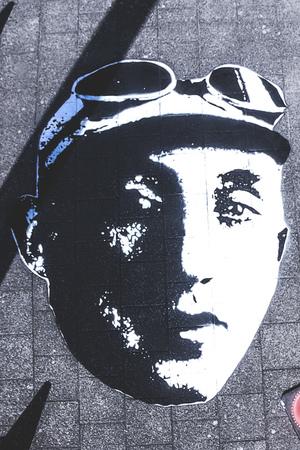 Streetart hoofd Georges Ronsse op Turnhoutsebaan (kruising Schotensesteenweg)