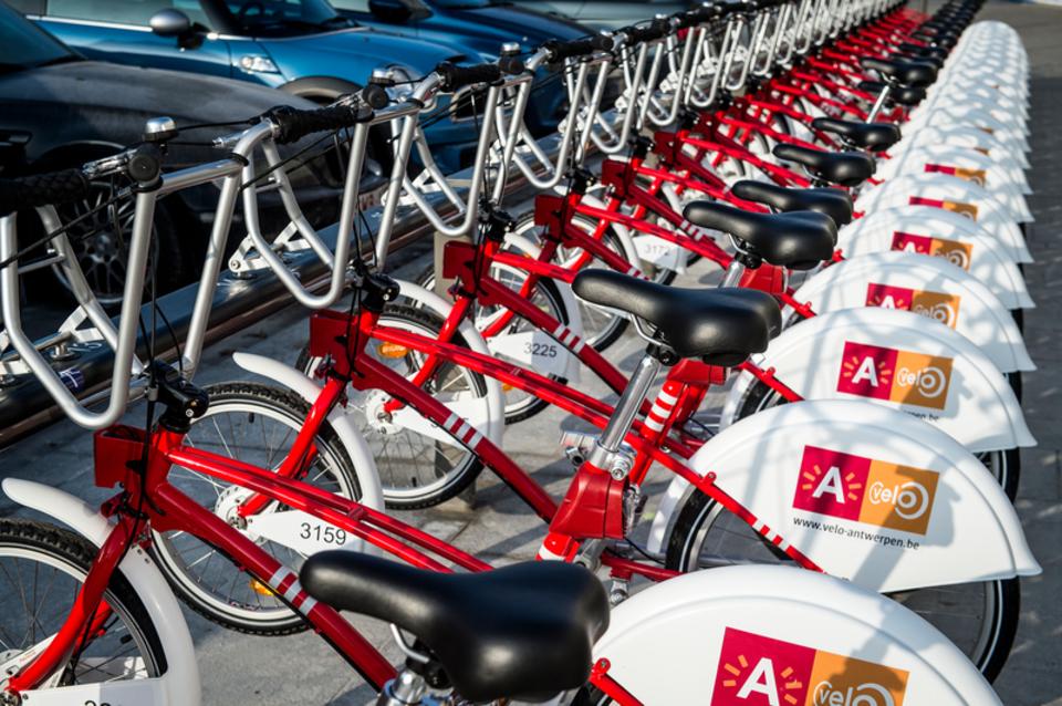 Velo-fietsen in een Velo-station