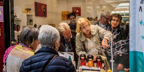 Shoppers in de Nieuwe Natie