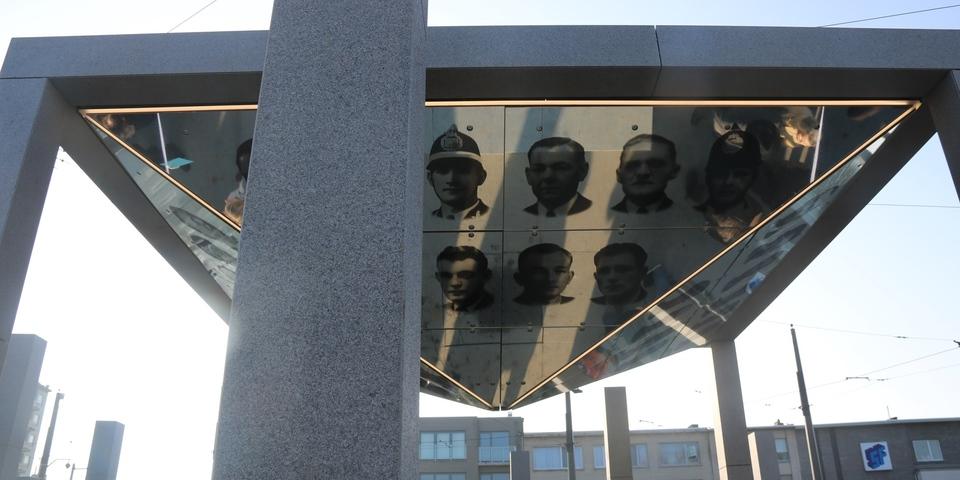 Vredesmonument Deurne op het Wim Saerensplein