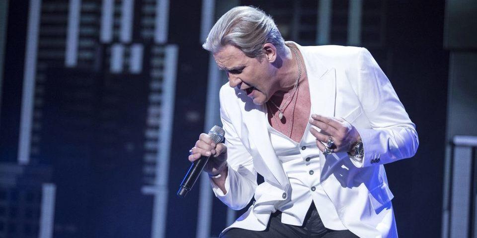 Johnny Logan zingt