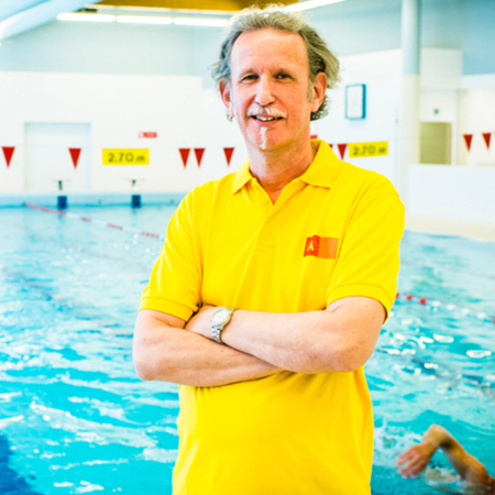 Patrick, redder in zwembad Ekeren