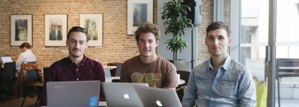 Drie jonge Antwerpse ondernemers ontwikkelden een website die vluchtelingen in contact brengt met mensen die willen helpen.