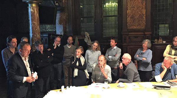GECORO-leden in gesprek met stadsbouwmeester Christian Rapp tijdens een GECORO.