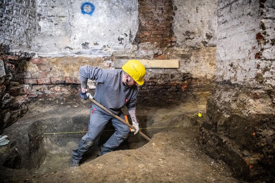 Opgravingen in de kelder van het stadhuis van Antwerpen