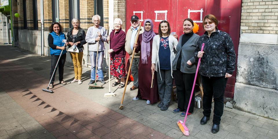 Een groep enthousiaste deelnemers aan de Lentepoets.