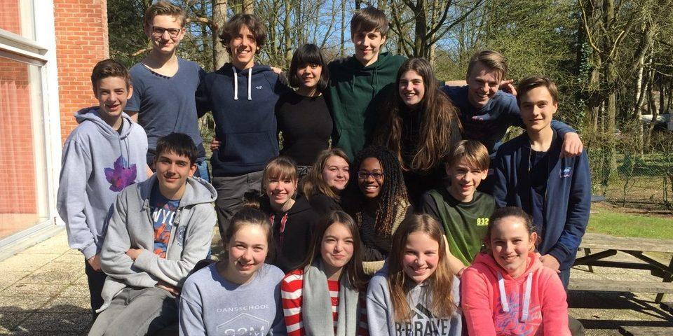 Groep leerlingen die peer mediator zijn op het koninklijk atheneum van Ekeren