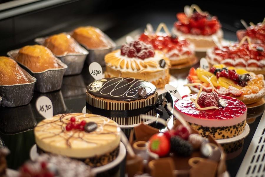 Toog met heerlijke taarten