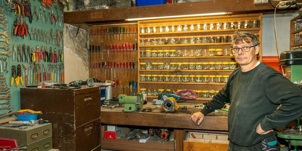 Peter in zijn atelier bij All-Rent