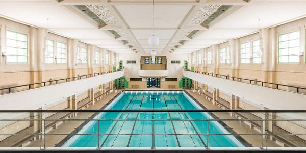 Zwembad in de Veldstraat, een van de locaties uit de digitale tour voor Open Monumentendag.