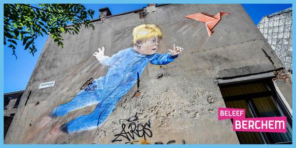 Graffitiwerk Will to Fly op een gevel in Berchem