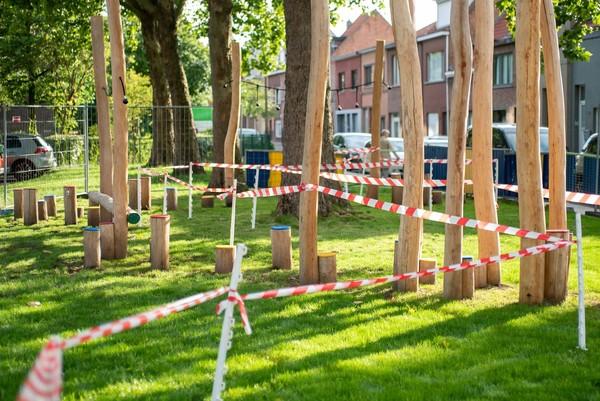 Het Meetjeslandplein bij de heropening: symbolisch werd voor de opening een circuit gemaakt op het plein
