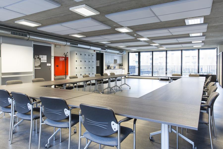 Een zaal in Gemeenschapscentrum Luchtbal.