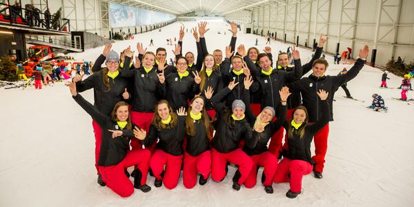 De atleten van Team Belgium op de nieuwe indoorskibaan Aspen