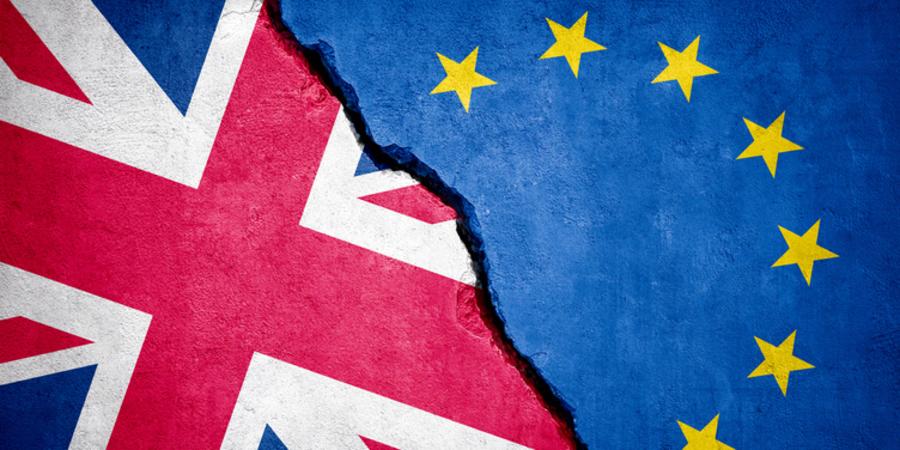 Britse en Europese vlag