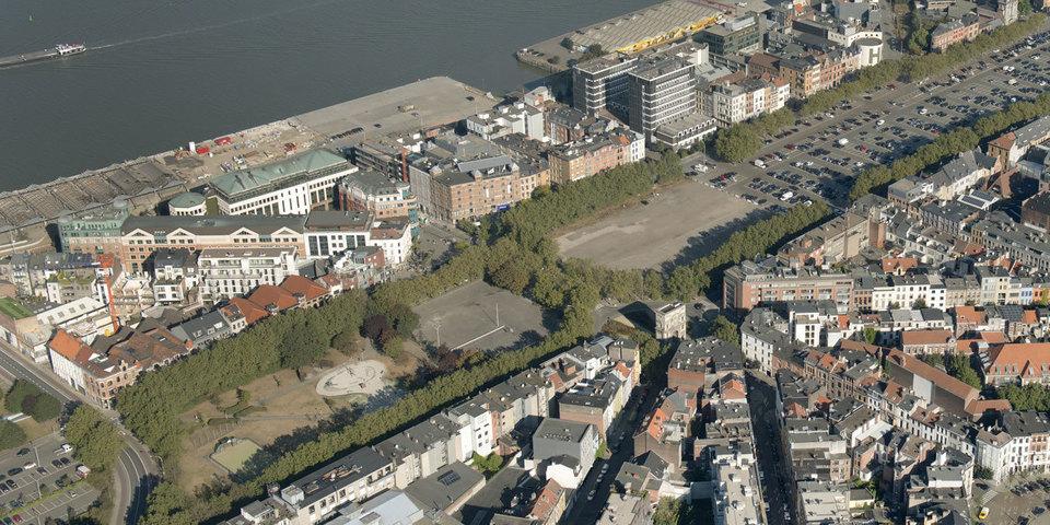 Zicht op het zuidelijke deel van de Gedempte zuiderdokken waar de eerste parking wordt gebouwd.