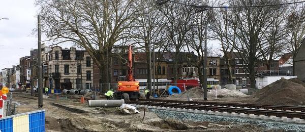 Tramsporen aanleggen op de Antwerpsesteenweg in Hoboken