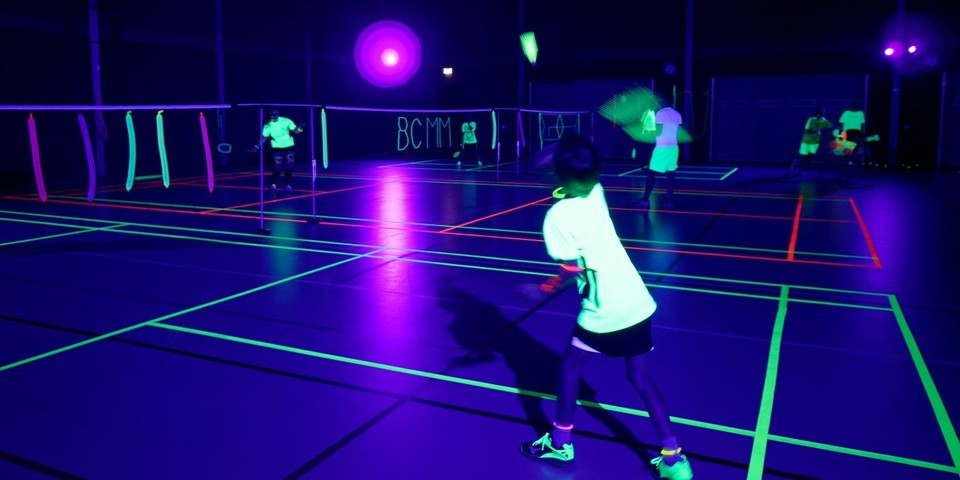 Blacklight sport