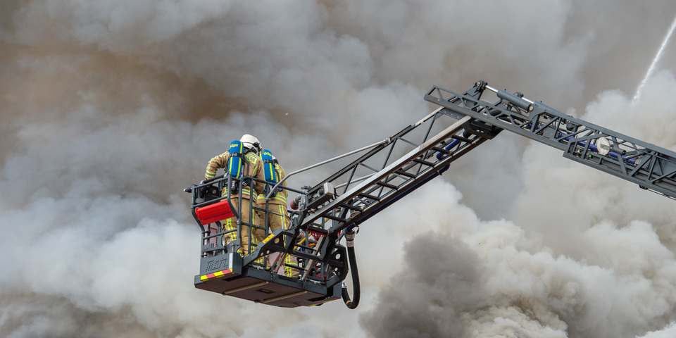 Brand, brandweerman, ladder, rook