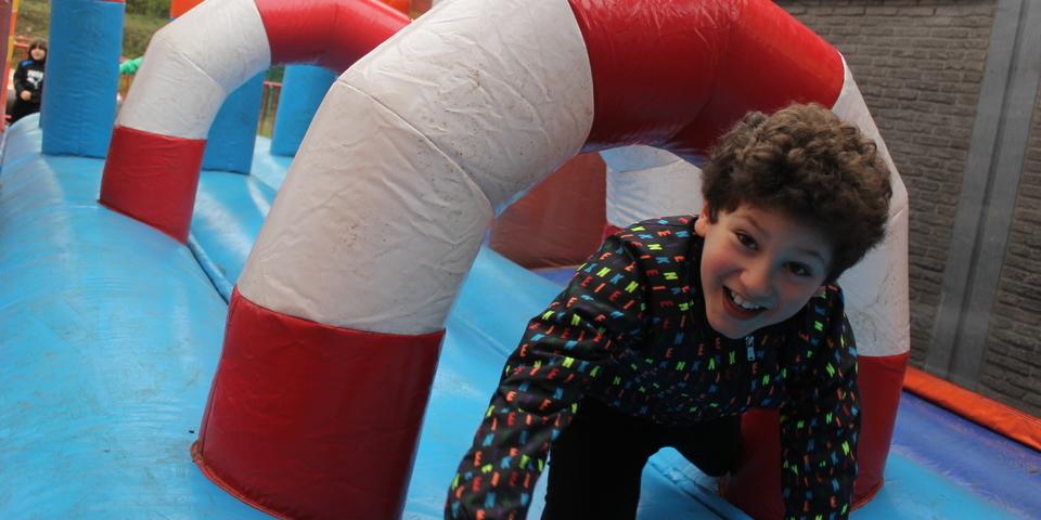 Speel-O-Rama Splash: kind op springkasteel