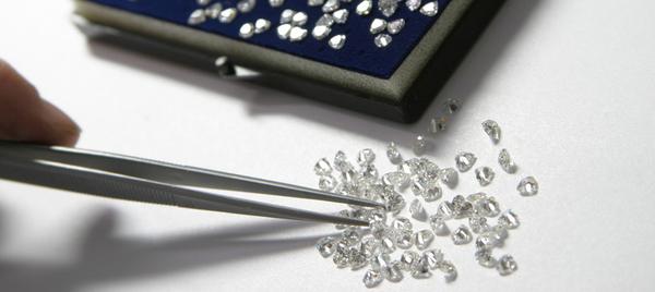 Aantal ongeslepen diamanten