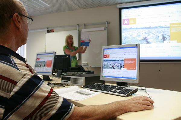 Nieuwe computerlessen in het ABC-wijkcentrum Ekeren