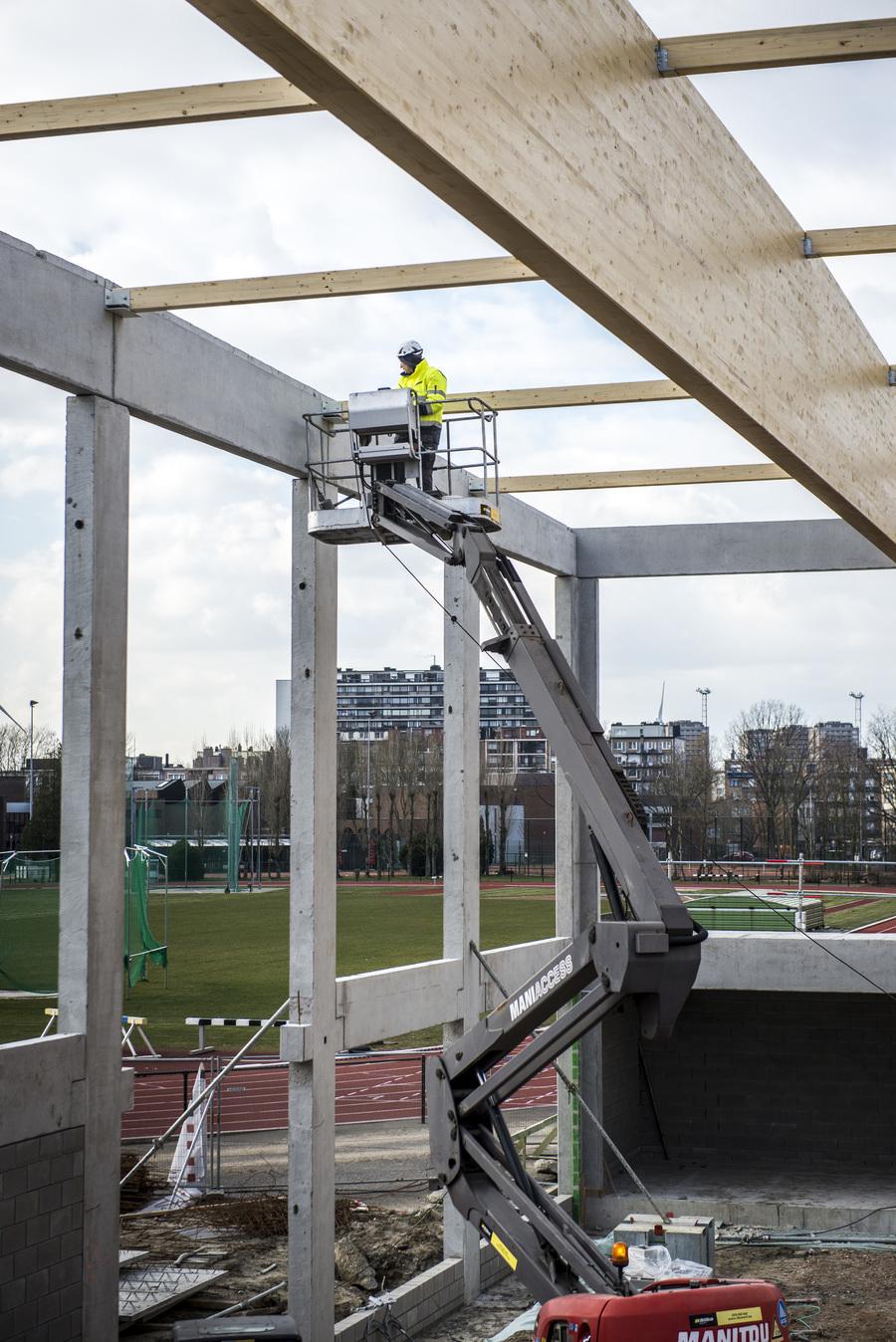 De werken aan de dakconstructie zijn aan de gang