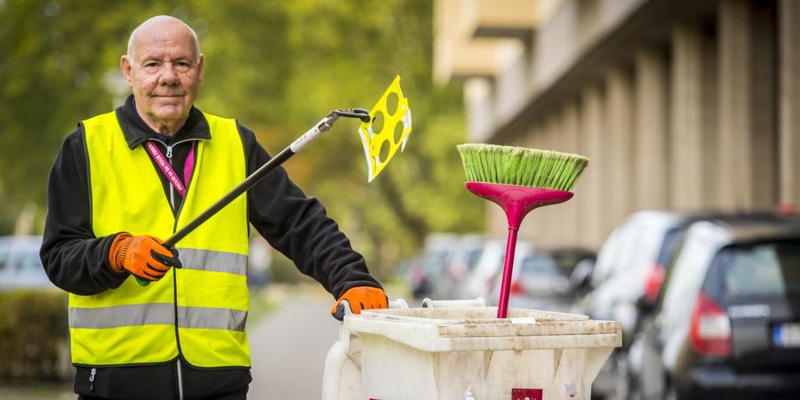Freddy Beuckelaers ruimt afval op