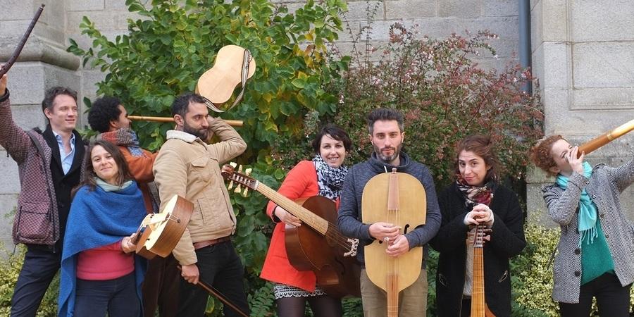 Verschillende muzikanten zwaaien met hun muziekinstrument.