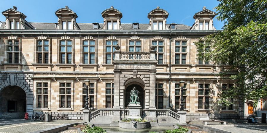 buitengevel erfgoedbibliotheek Hendrik Conscience