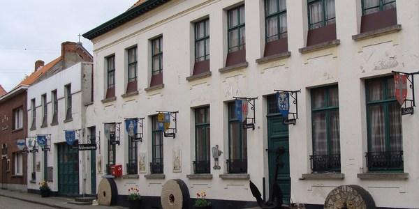 Poldermuseum Lillo: de voorgevel van het museum in de Tolhuisstraat in Lillo