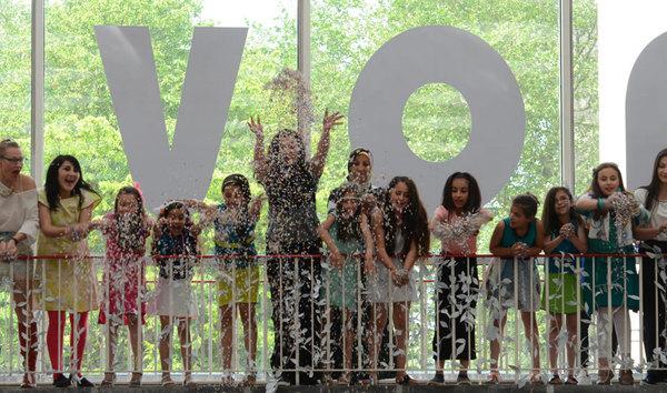 Kinderen in cultureel ontmoetingscentrum Nova