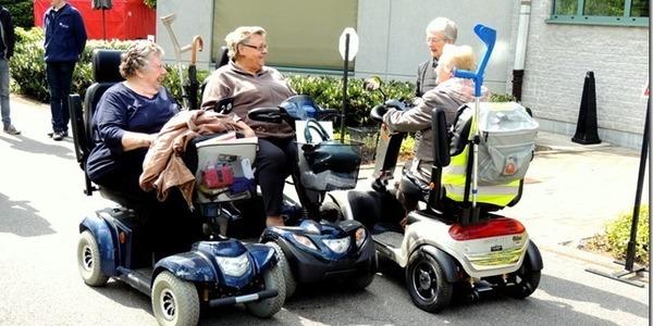 scooteren draagt bij tot een goed sociaal contact